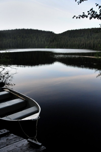 Boat-on-Glassy-Lake