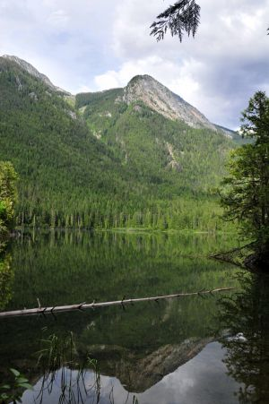 Shale Mountain from Spectrum Lake.jpg